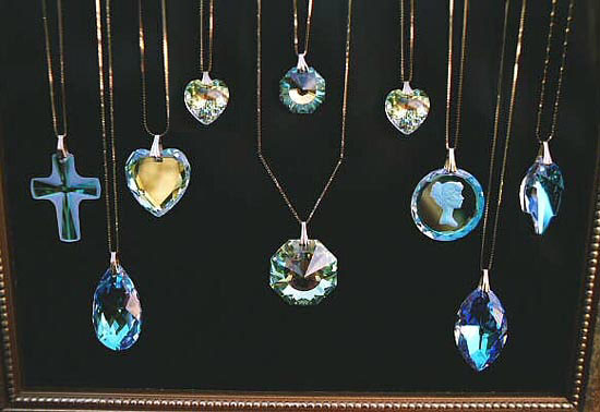 Sparkling Swarovski Crystal Jewelry Pendants with Gold Filled Chains